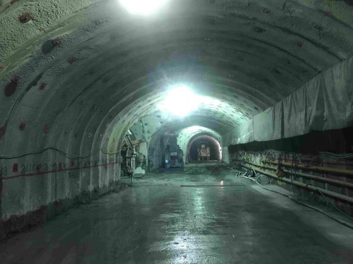 青崩トンネル